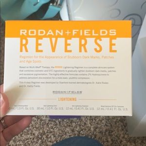 Rodan + Fields Reverse lightening travel set